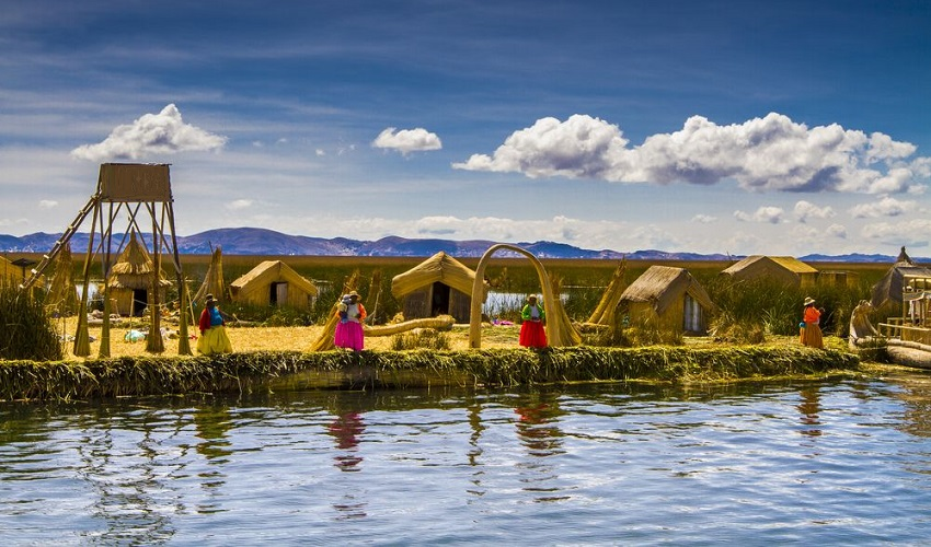 Tour Uros Floating Islands